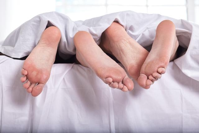付き合いが長くなると新鮮味が薄れて性欲も薄れるのは自然