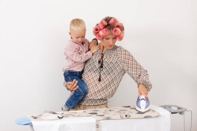 Q,家事、子育て、仕事と朝から晩まで忙しくて...時短メイクでもキレイに見せたい