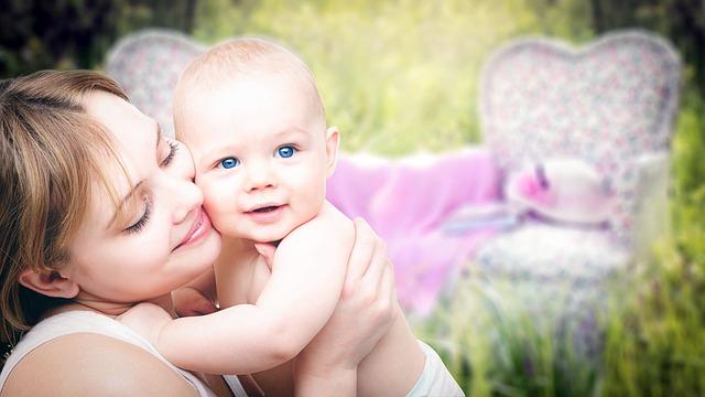 9歳女児が卵巣摘出⇒冷凍保存。15年後、無事出産!