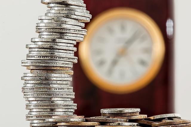 【その保険は本当に必要?】 保険の見直しで投資の原資を生み出せる