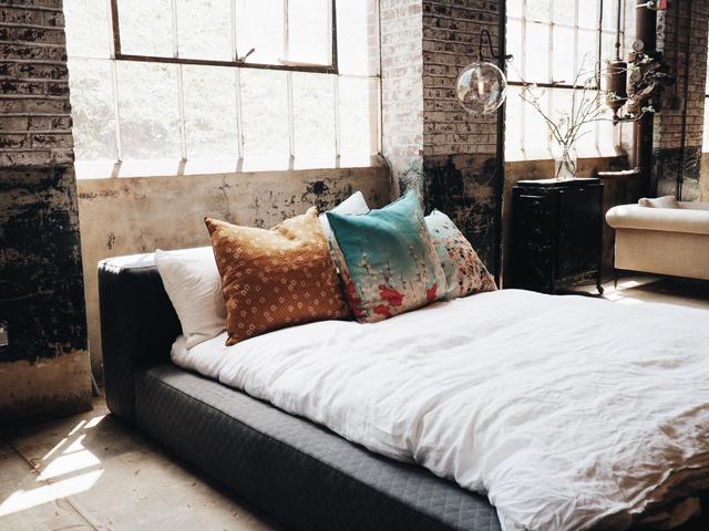 金運資産貯蓄風水金持ち寝室ベッドルーム