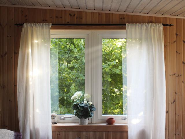 夫婦仲改善風水寝室カーテン