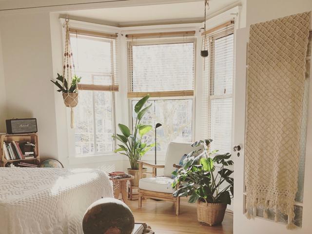 風水インテリア仲が悪い夫婦家の西側に観葉植物や鏡