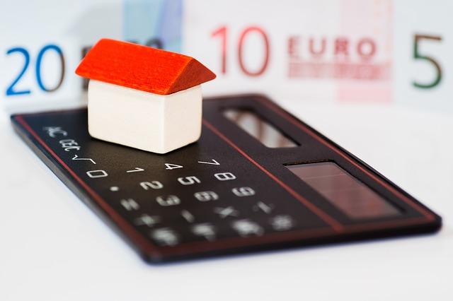【人生100年時代の住まい対策】賃貸or持ち家?住宅ローンはいつまでに返済する?