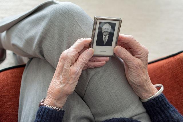【人生100年時代の老後資金】 長い老後、あなたはどう乗り切る?