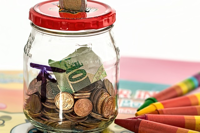 Q,世帯年収1000万でもお金がない!保険貧乏で貯金できない。