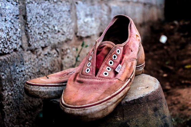 脚が太くなる習慣かかとがすり減った靴