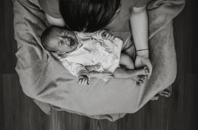 発達障害人見知り赤ちゃん泣き止まない