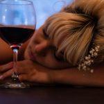 キッチンドリンカーアルコール依存女性