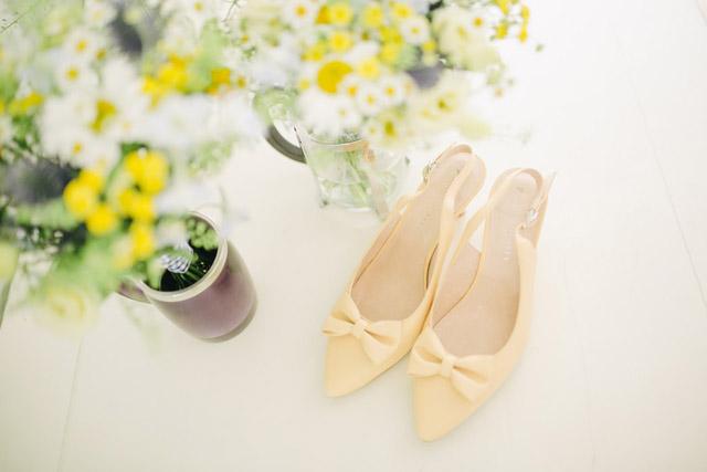 風水ハッピー幸運運気アップ靴の具体例明るい色の靴スニーカー