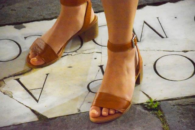 風水ハッピー幸運運気アップ靴の具体例オープントゥパンプスサンダル