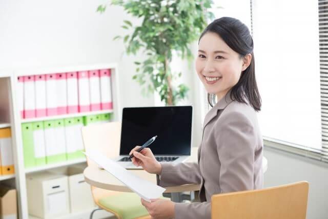 独学取得可能性あり女性おすすめ資格宅地建物取引士宅建事務職で働く