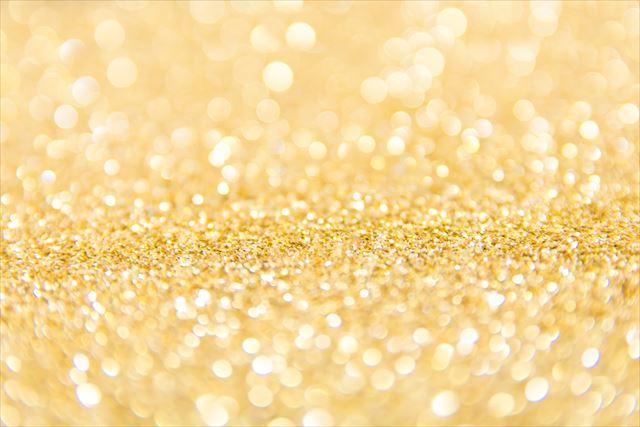 開運ネイルカラーゴールド金色