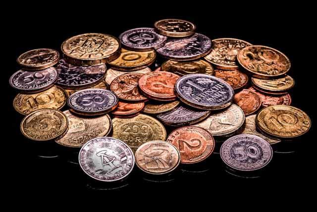 簡単金運アップ風水お財布に入れてはいけないもの大量の小銭