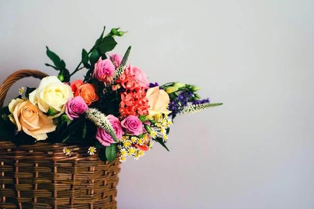 簡単風水開運アクション春分の日春の花を玄関に飾る