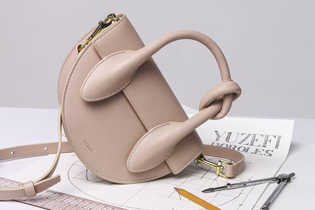 金運アップバッグ半円型山型のバッグ