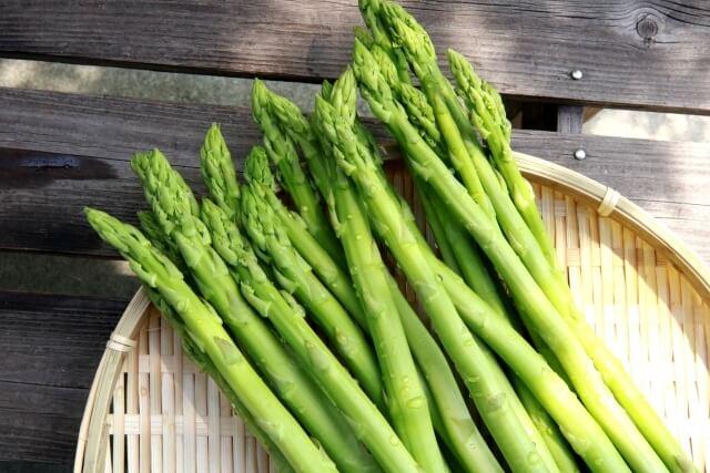 食べ物風水4月に食べたい開運フードアスパラガス