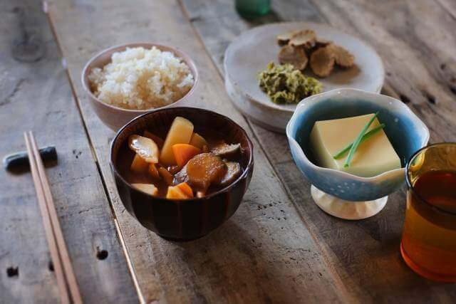 夏不調風水で解決オススメ開運方法郷土料理を食べる