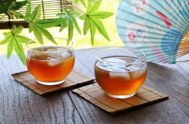 ダイエットするなら水より麦茶を飲んだ方が効果的