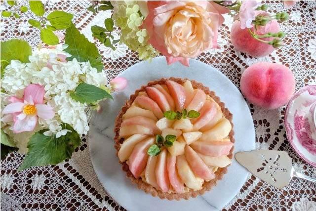 夏に実行したい開運行動桃を食べる