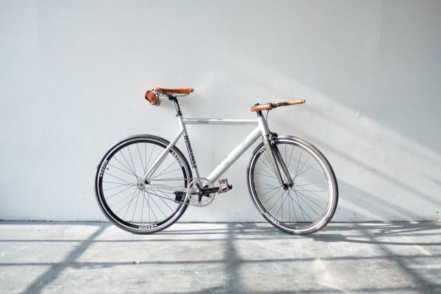 開運NGアイテム玄関に置かれた自転車やベビーカー