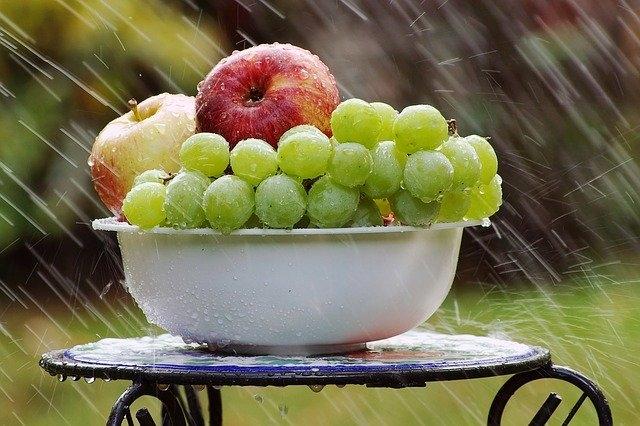 幸運を呼ぶ食べ物フルーツ秋梨葡萄なしぶどう