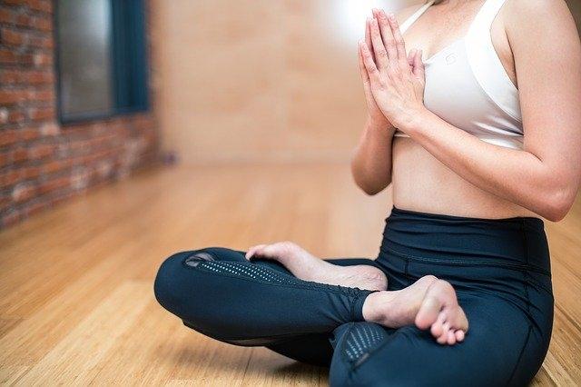 マインドフルネス瞑想ヨガ呼吸