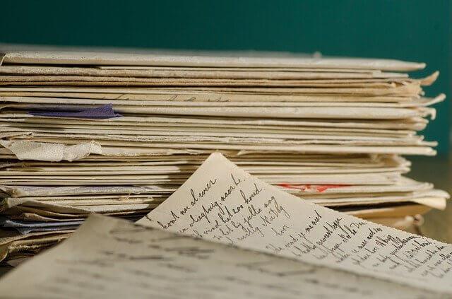 断捨離書類風水手紙はがき